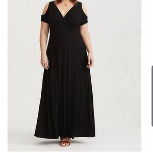 TORRID BLACK COLD SHOULDER JERSEY MAXI DRESS